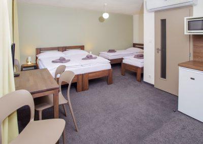 Ubytování Milovice - čtyřlůžkový pokoj či apartmán