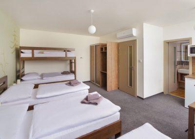 Ubytování - pětilůžkový pokoj či apartmán