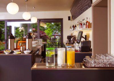 Restaurace Milovice - bar - Penzion Lesní
